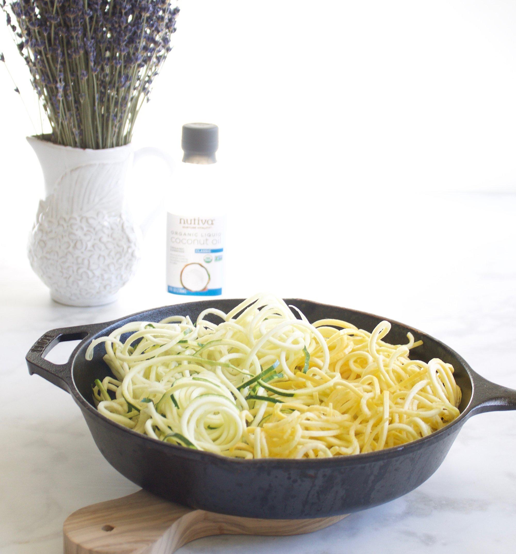 Nutiva Organic, Unrefined, Liquid Coconut Oil from Fresh, non-GMO, Sustainably Farmed Coconuts, 32-ounce by Nutiva (Image #4)