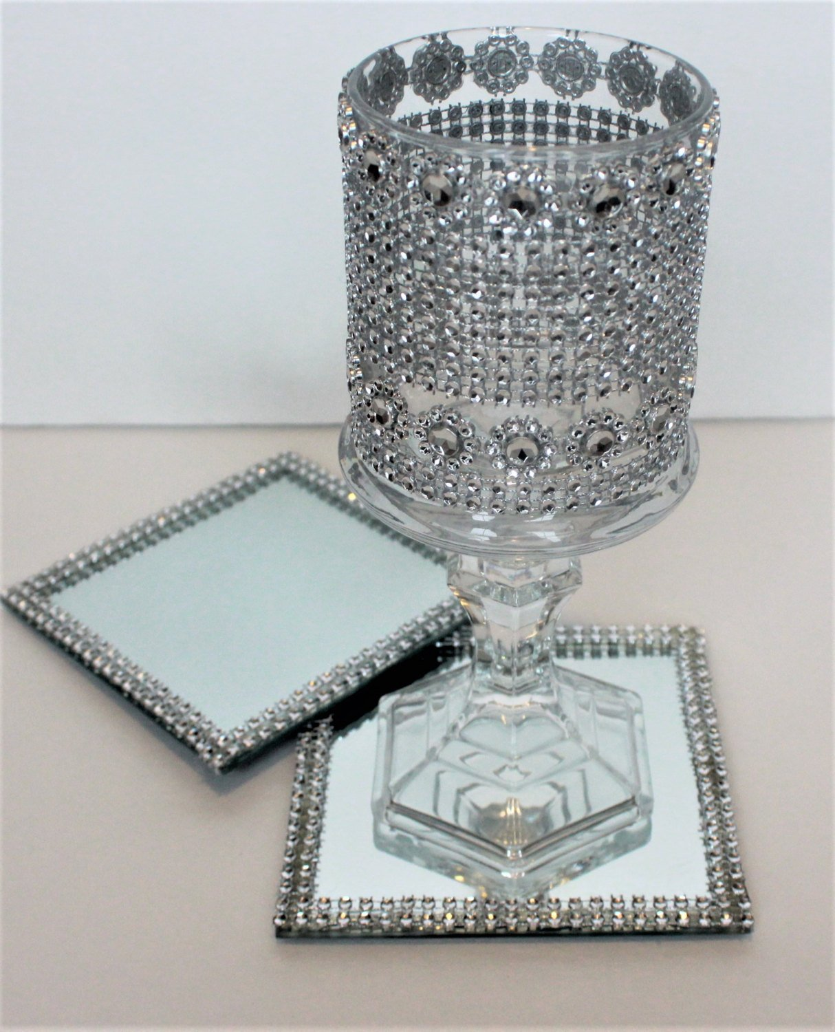 Amazon Com Set Of 10 Wedding Table Coasters Mirror Emblished Rhinestone Wedding Mirror Tray For Candle Holder 5 By 5 Inch With A Bling Base Mirror Handmade