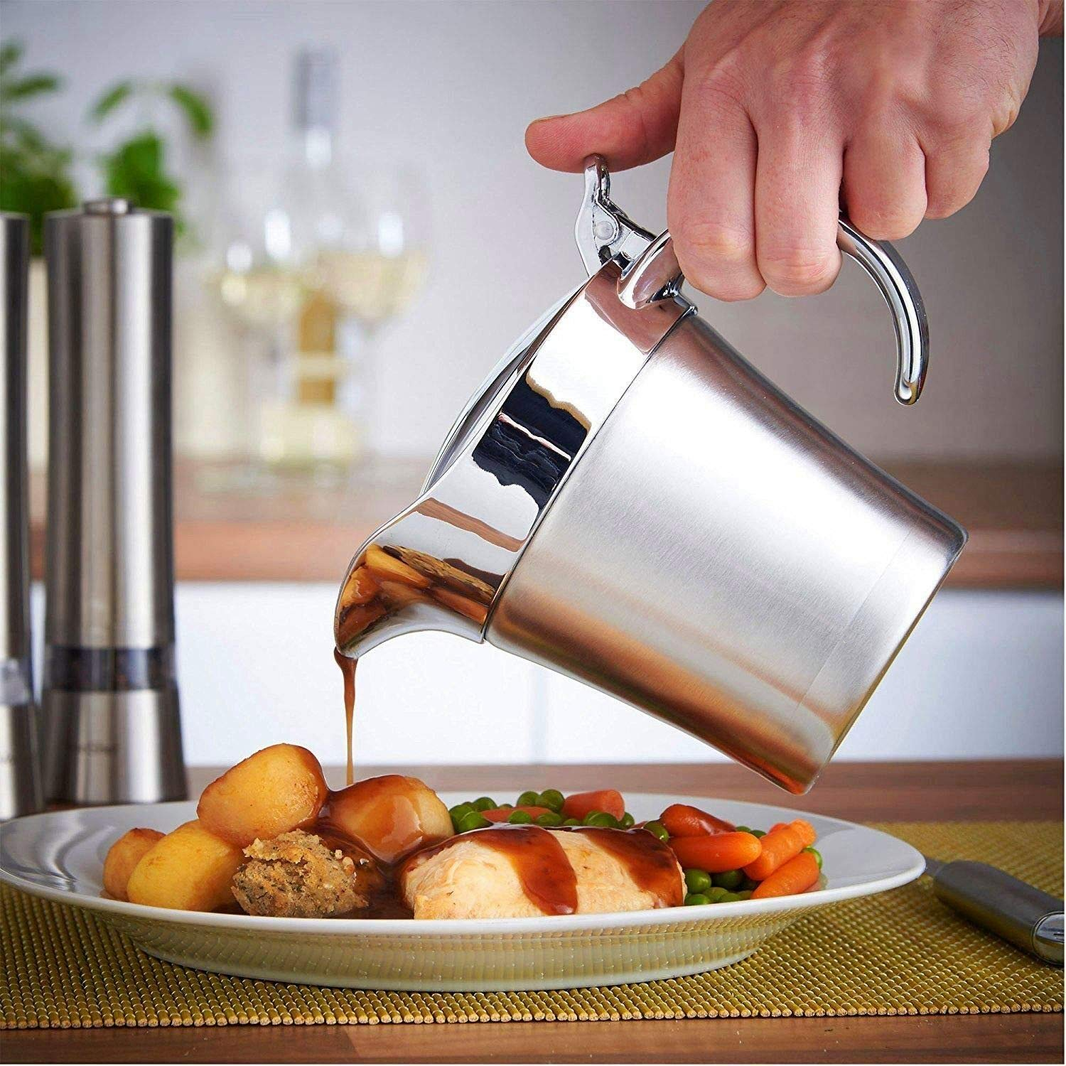 Stainless Steel 16 oz Gravy Boat Sauce Jug with Hinged Lid