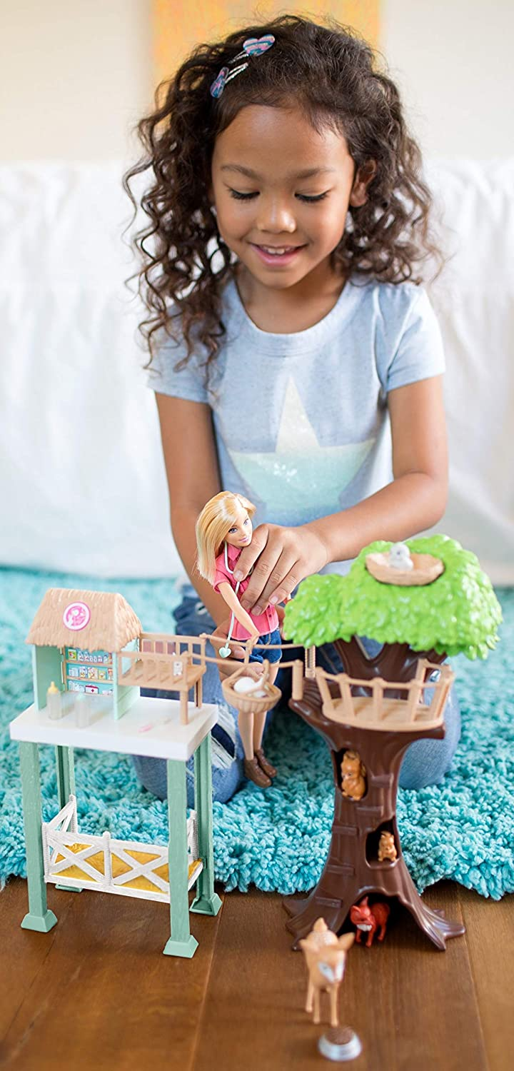 Barbie Doll and Animal Rescue Center with 8 Animals: Toys & Games