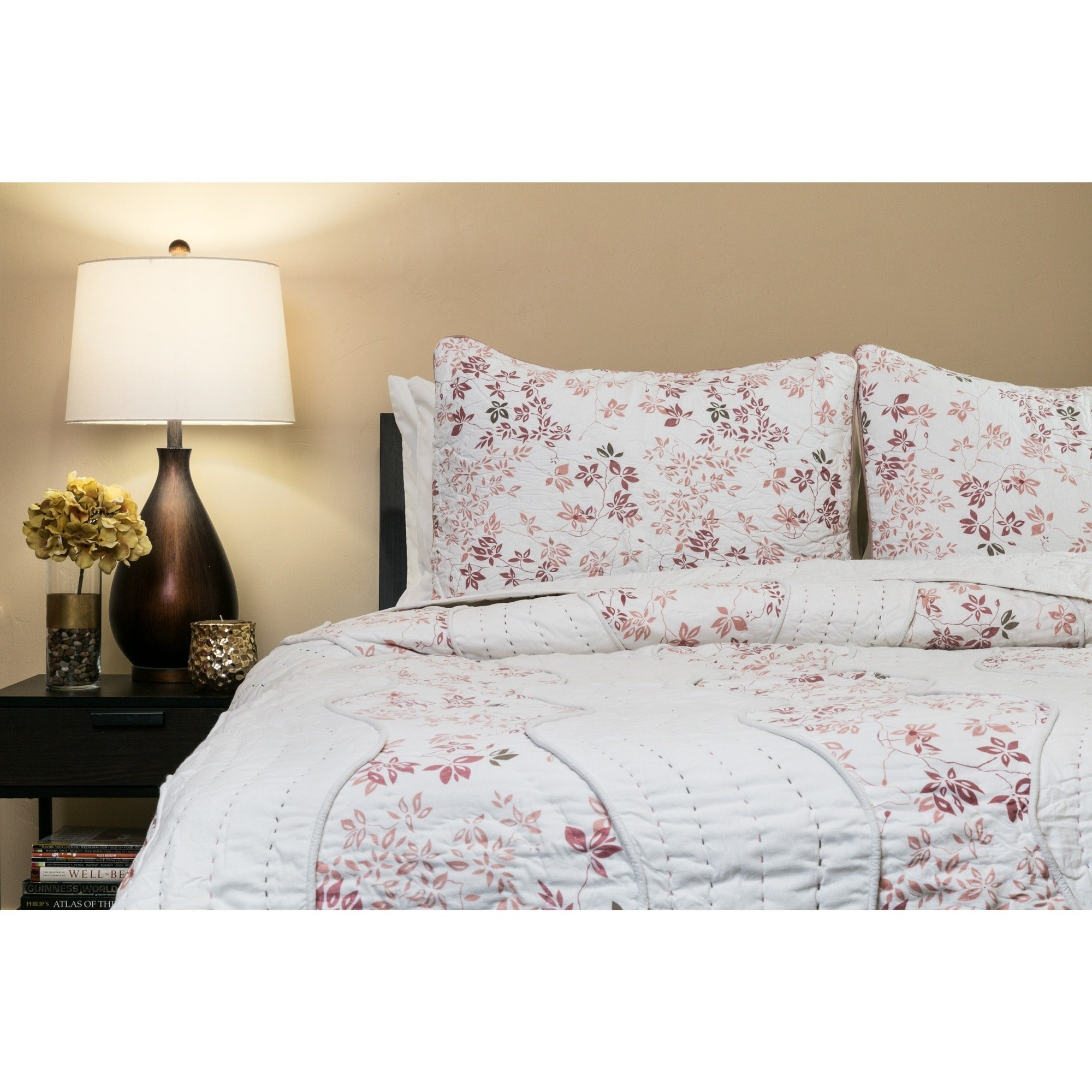 Arsons Home Furnishings Handmade Willows Blush 100-percent Cotton Queen-size Quilt Set (India) Blue
