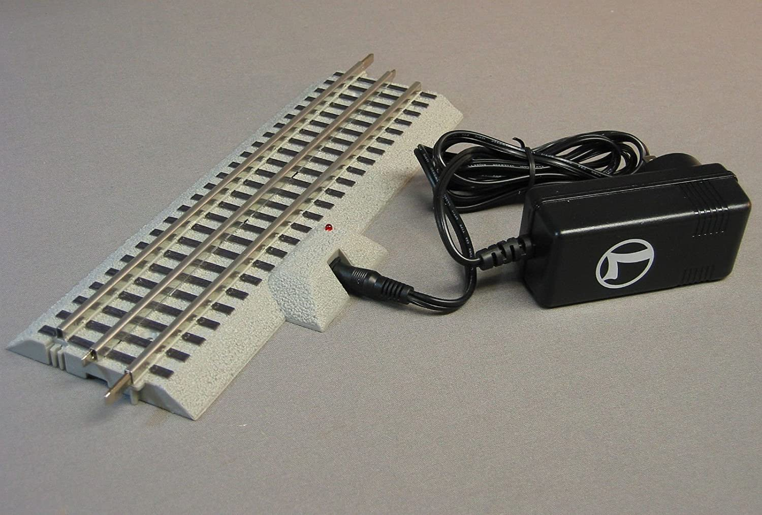 LIONEL O GAUGE FASTRACK 10 STRAIGHT POWER SUPPLY Station PACK RC LIONCHIEF SYSTEM track