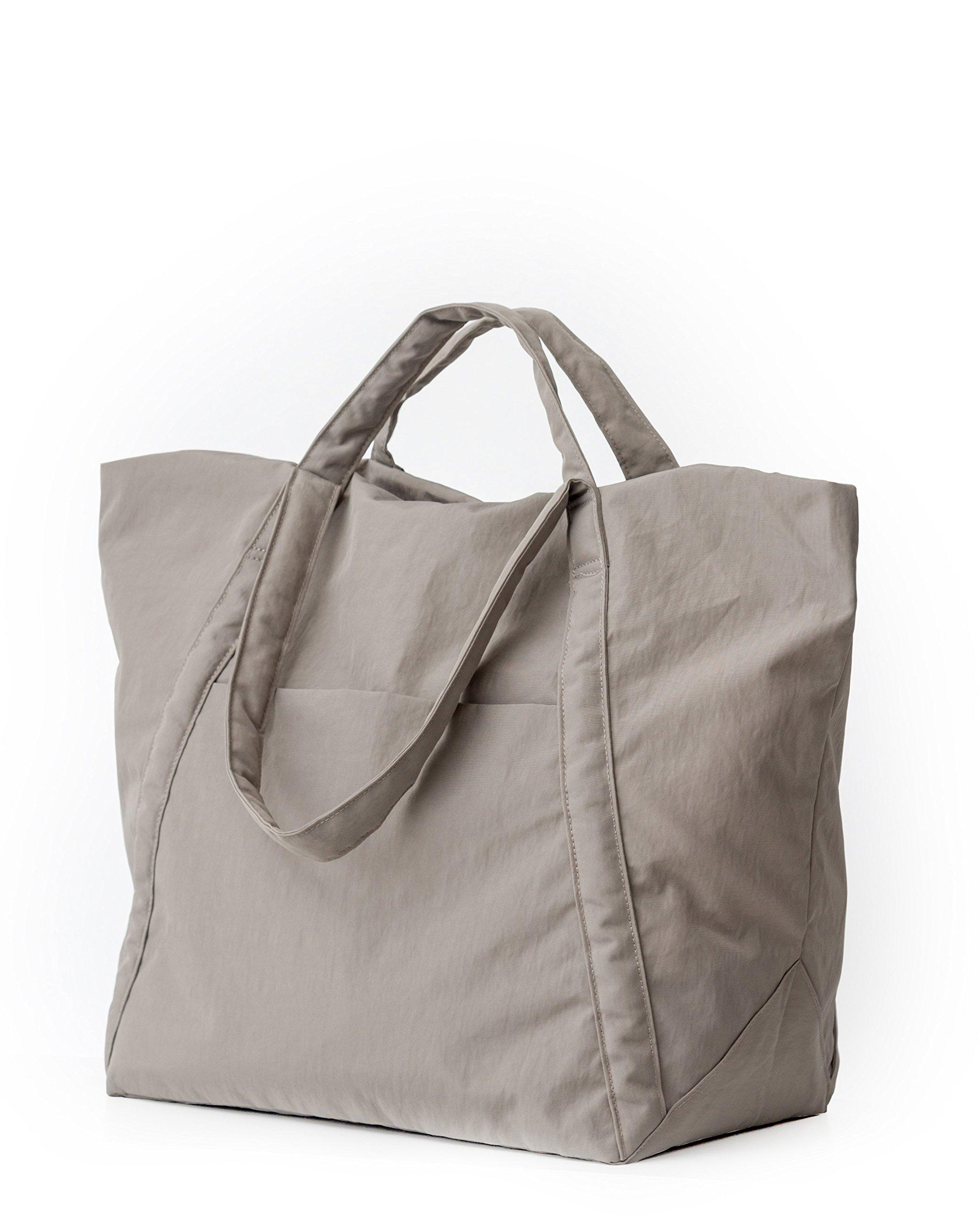 BAGGU Travel Cloud Bag, Lightweight Nylon Packable Tote for Travel or Everyday Use, Mushroom