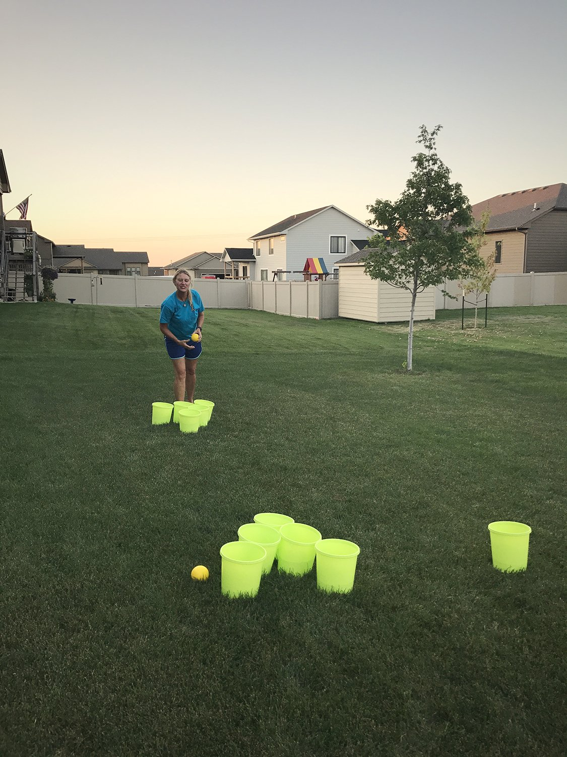 Get Out! Patio Pong – Giant Yard Beer Pong Set for Outdoor Fun – 12 Buckets, 2 Balls, 1 Drawstring Carrying Bag by Get Out! (Image #5)