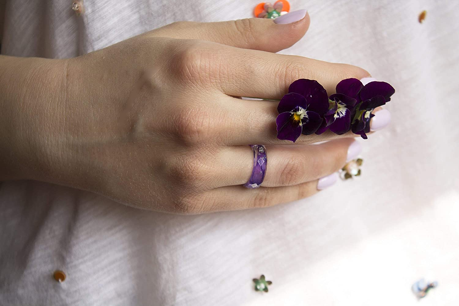Faceted Resin Ring with Pressed Purple Petals and Silver Flakes