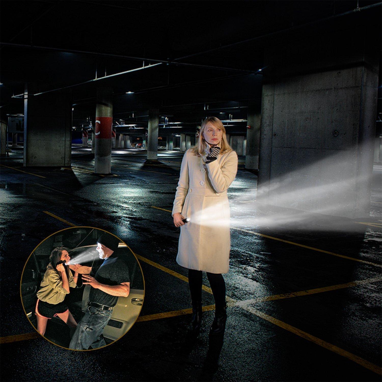 linterna LED (900LM) de Mano Resistente al Agua Ultra Brillante Flashlight de 5 Modos para Ciclismo, Camping, Montañismo, Senderismo y las actividades al aire libre por solo 15,99€