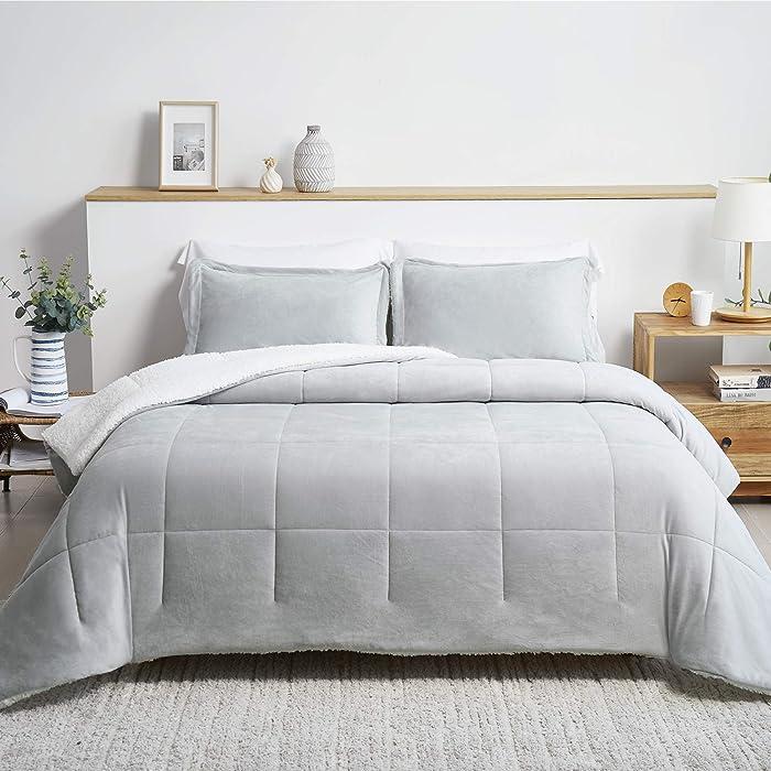 Bedsure Luxurious Micromink Sherpa Full/Queen Comforter Set 3 Pieces - (1 Comforter 88x88 and 2 Pillowshams), Reversible Down Alternative Comforter, Machine Washable, Light Grey