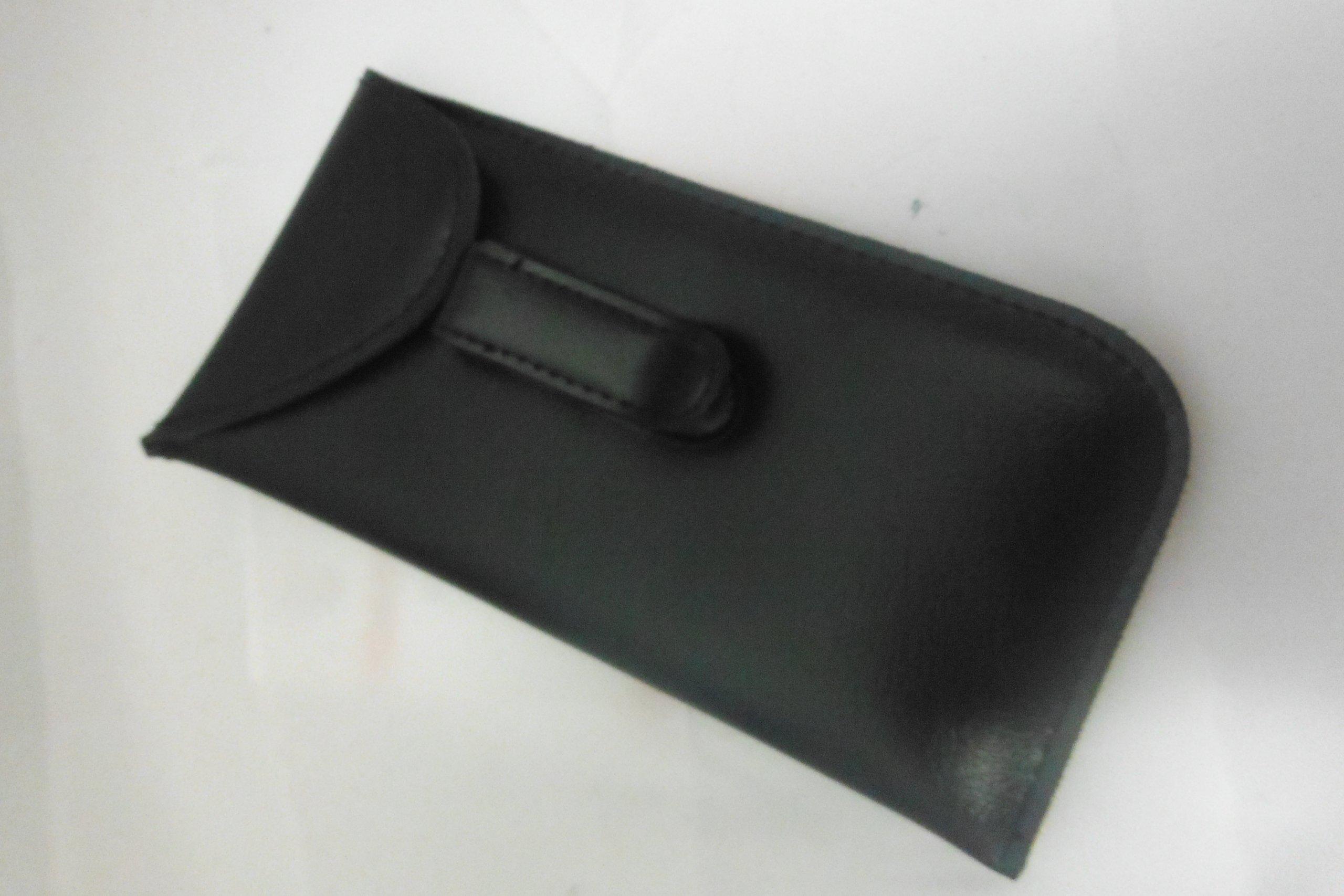 pocket Clip eyeglass case with Flap (Black)