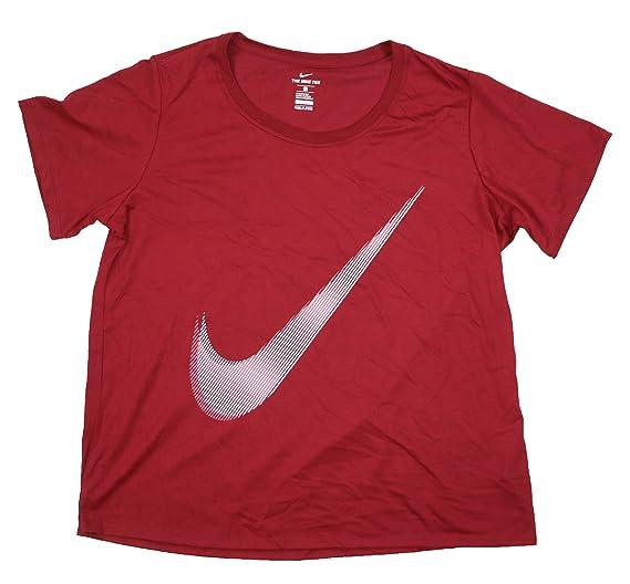 d2dca63ad8b3f Amazon.com  NIKE Womens Plus Fitness Training T-Shirt Red 1X  Sports ...