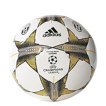 25880a719ec70 adidas Finale 15 Juventus Capitano Balón