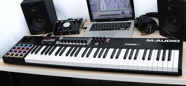 Tastiera Controller USB Midi con Touch Pad X//Y e Pi/ù di 30 Controlli Assegnabili e Pacchetto di Software Pedale di Sustain Universale per Tastiera in Stile Pianoforte SP-2 M-Audio CODE 61