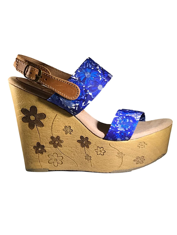 Sbicca Women's Fabiana Wedge Sandal B01AWAXAF4 7 B(M) US|Blue/Multi