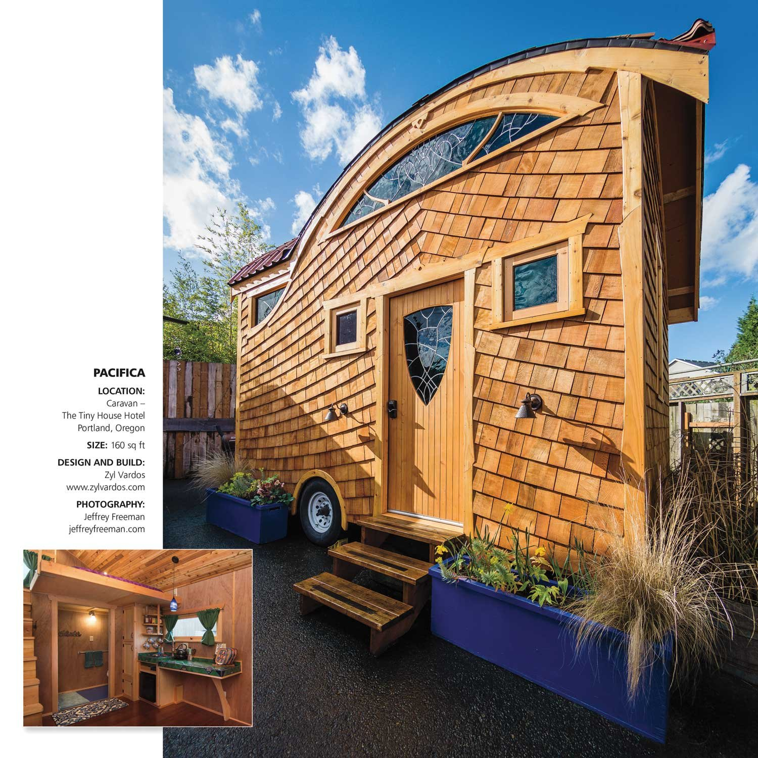 Tiny Houses 2018 Wall Calendar: Mindful Living, Small Spaces ...