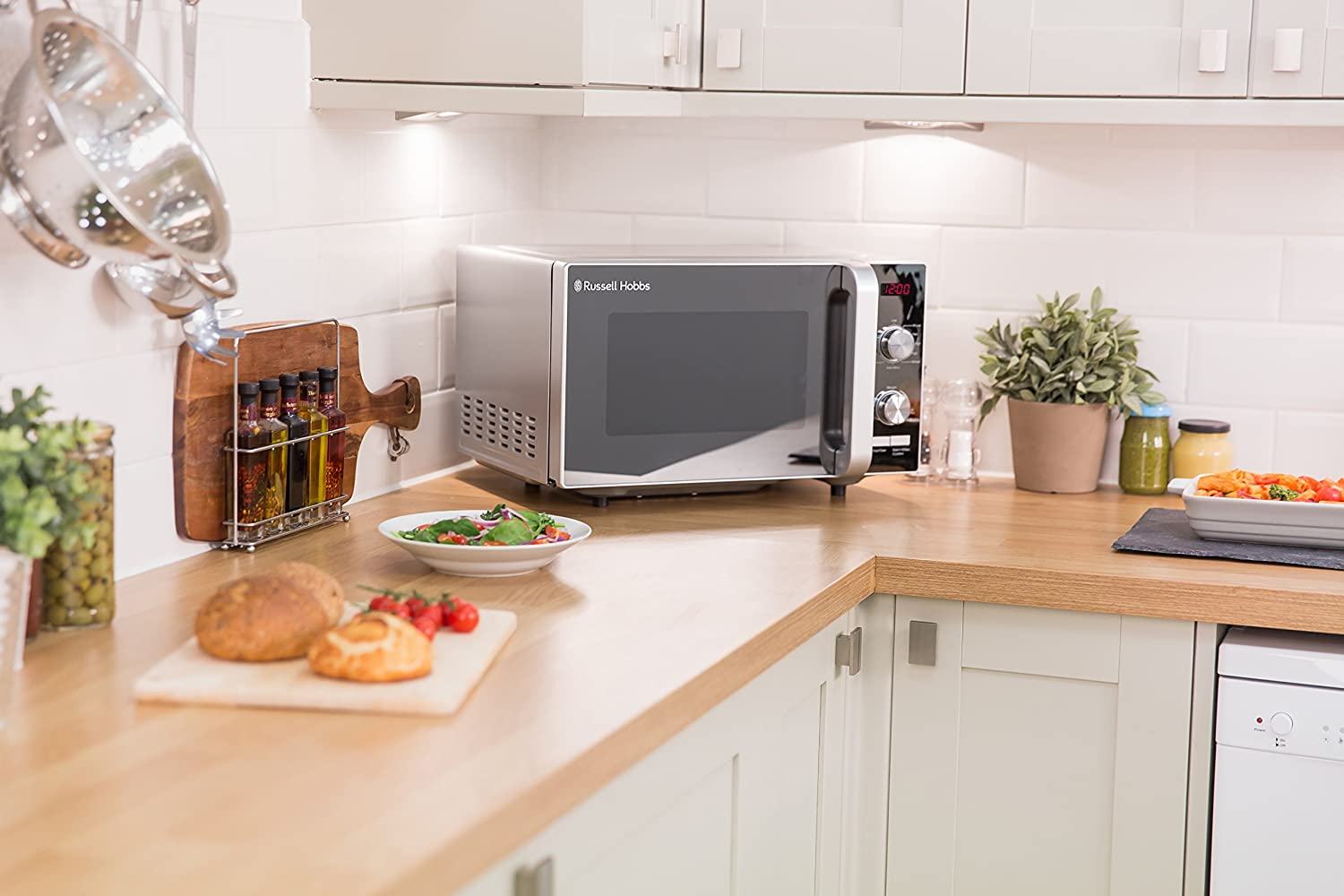 Energy Class D Russell Hobbs RHFM2001B Flatbed Microwave Black 19 Litre