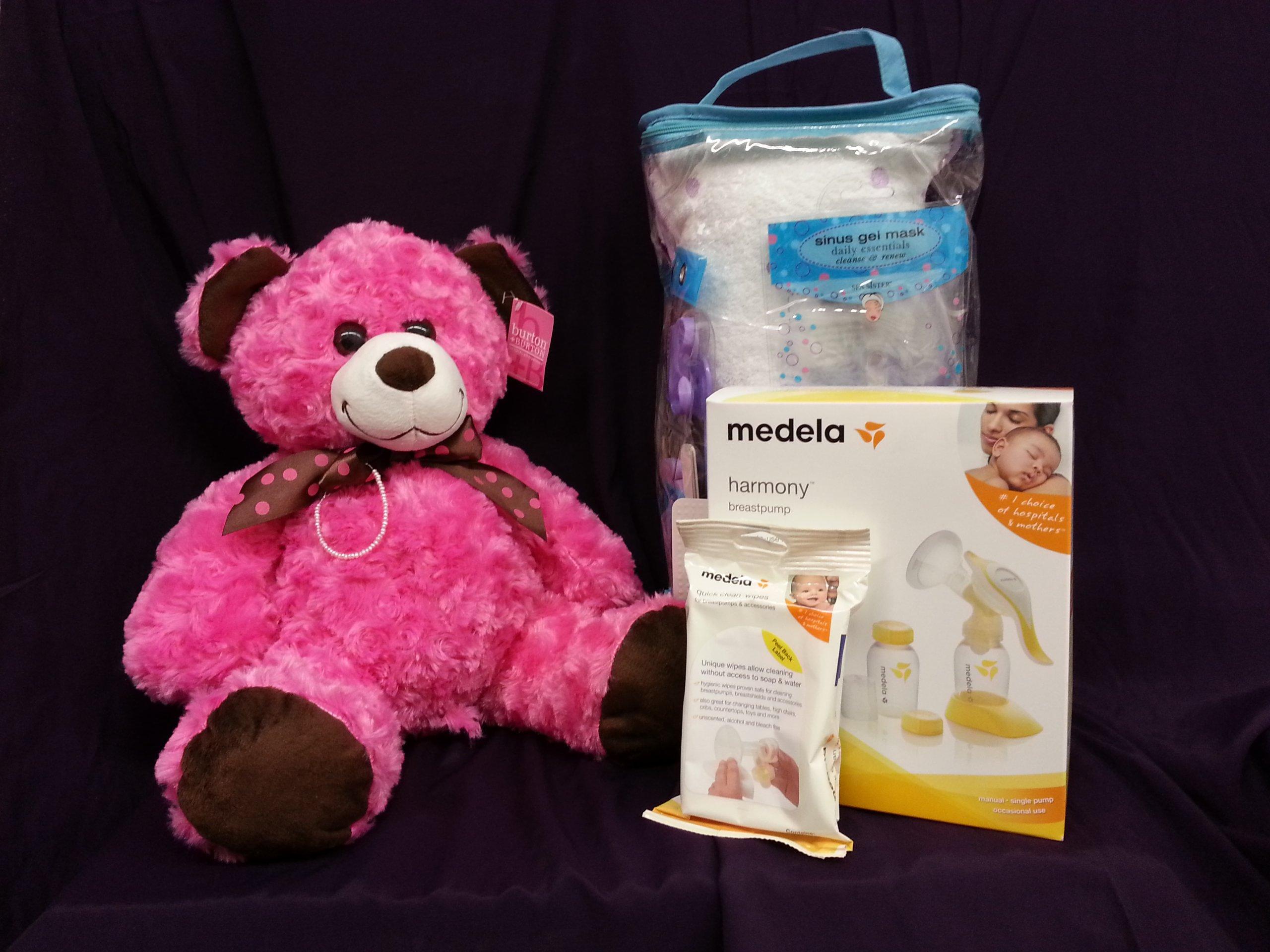 Medela Luxury ''Deluxe'' Baby Shower Gift Set Girls