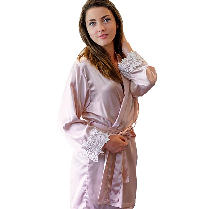 4de1f4f632 Sleep Luxe Women s Short Blush Satin Robe with Lace Trim for Bridesmaids or  Brides (Small