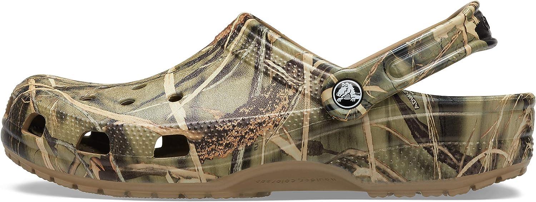 Crocs Men's and Women's Classic Realtree Clog   Camo Shoes