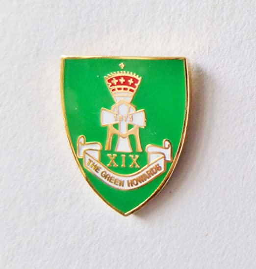 THE GREEN HOWARDS ARMY LAPEL MILITARY PIN BADGE FREE GIFT POUCH MOD APPROVED