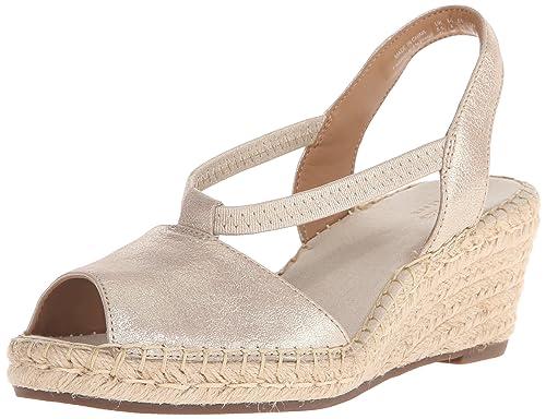 abc57da7a6ec7 Clarks Women's Petrina Lulu Wedge Sandal, Gold, 5 M US: Amazon.ca ...