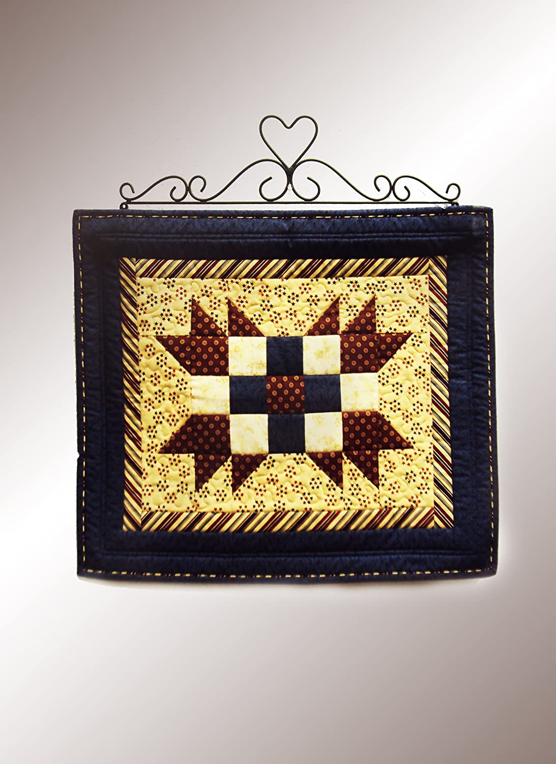 Amazon.com : J&J Wire Heart/Curly Quilt Holder, Small : Wire Quilt ...