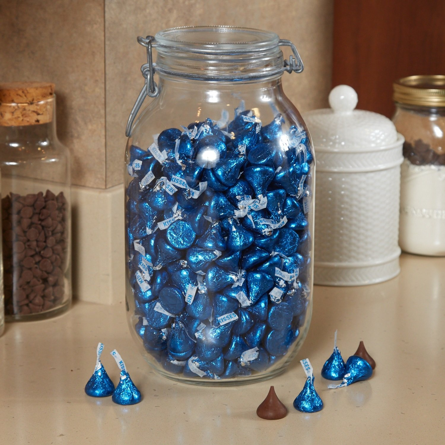 HERSHEY'S KISSES Chocolate Candy, Dark Blue Foils, 4.1lb Bulk Candy, approx. 400 Pieces. Perfect for Graduation and 4th of July Decorations by Kisses (Image #9)