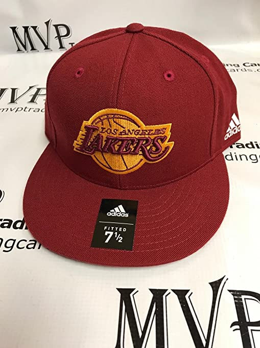 new arrival f1ac6 88b3c LOS ANGELES LAKERS Alternate 2 Fitted Baseball Cap Size 7 5 8 at Amazon s  Sports Collectibles Store