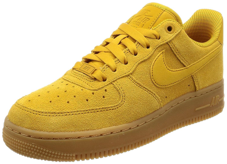 Nike Wmns Air Force 1 '07 Se, Zapatillas de Gimnasia para Mujer 42 EU Amarillo (Minera L Yellowmineral Yellow 700)