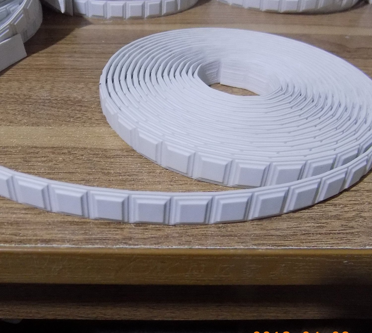 Curved Flexible Molding Dentil Block Decorative for Door Cabinets Wardrobes Drawers Moulding Trim Furniture 0.7inch (1.8cm) x 20 Foot Small Square