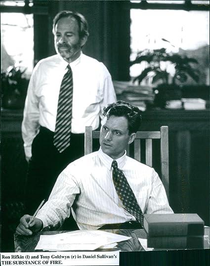 Vintage foto de Ron Rifkin y Tony Goldwyn en una escena de la ...