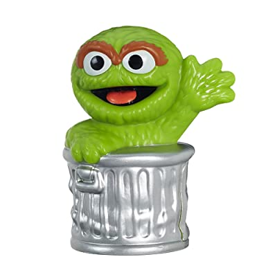 Sesame Street Oscar The Grouch Figure 2.5 Inches: Toys & Games