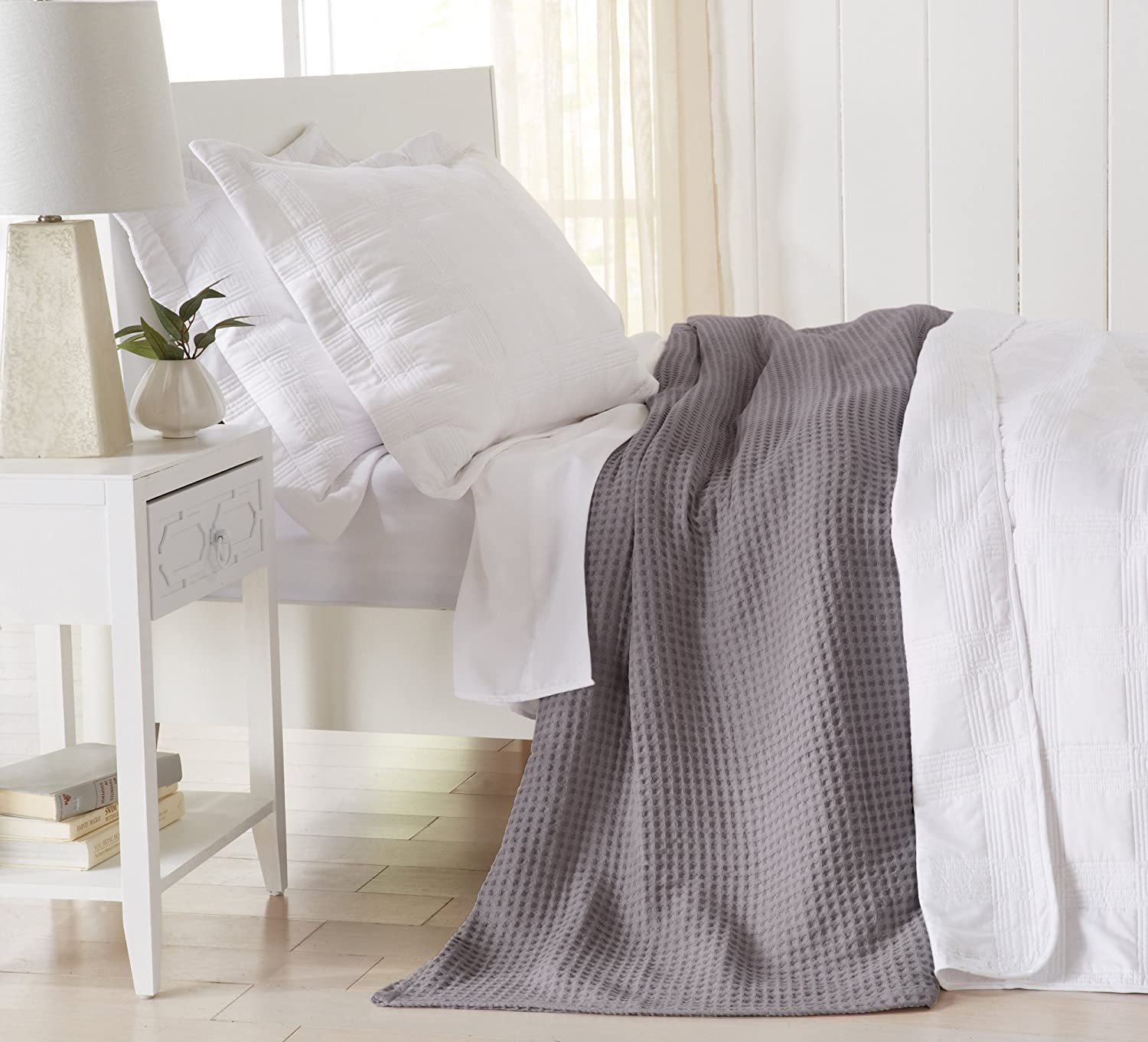 King, Pale Blue Perfect for Layering Mikala Collection Lightweight and Soft Great Bay Home 100/% Cotton Waffle Weave Premium Blanket