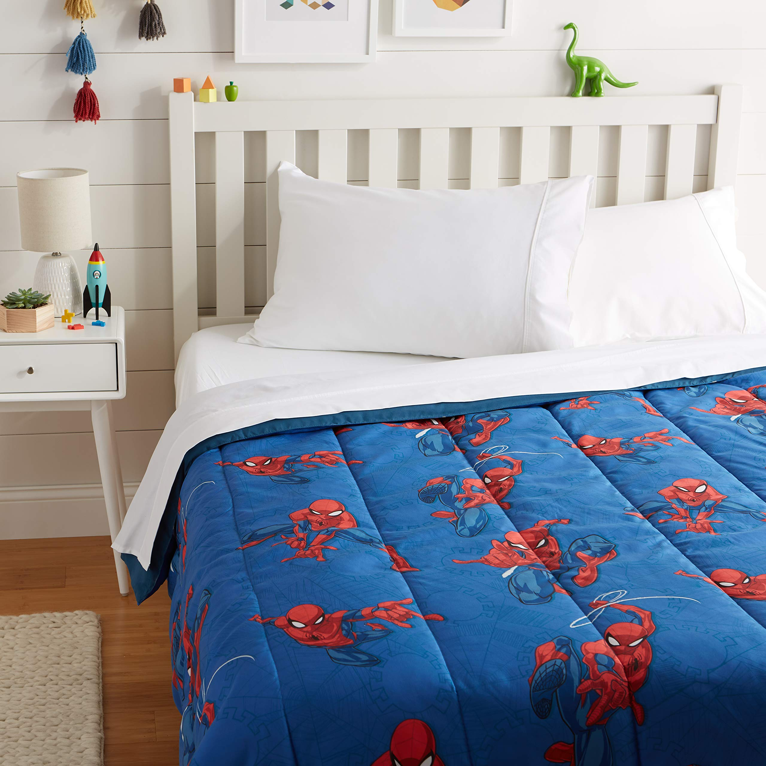 AmazonBasics by Marvel Spiderman Spidey Crawl Comforter, Full by AmazonBasics
