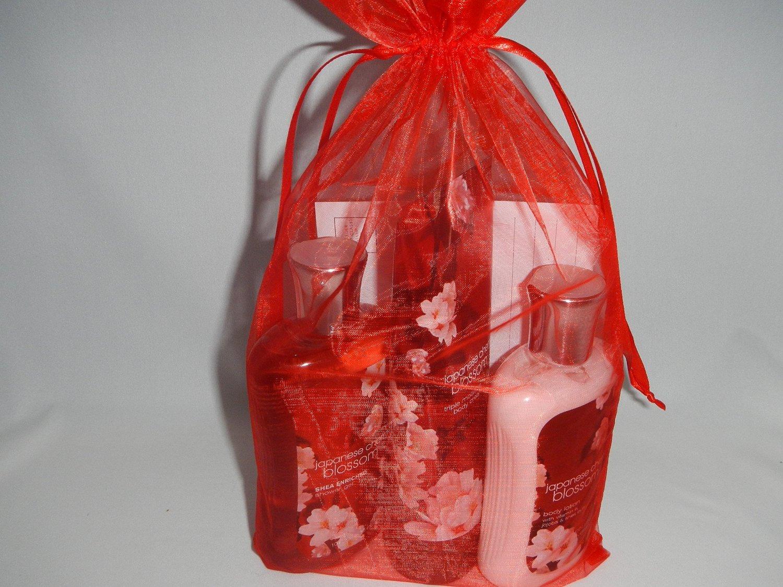 Bath Body Works Japanese Cherry Blossom Gift Set