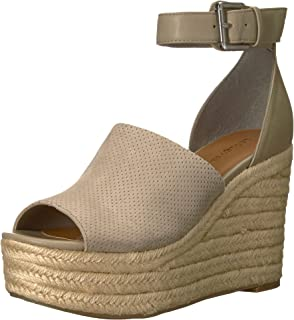 2517c43f5cd Amazon.com  Dolce Vita Women s Straw Wedge Sandal  Dolce Vita  Shoes
