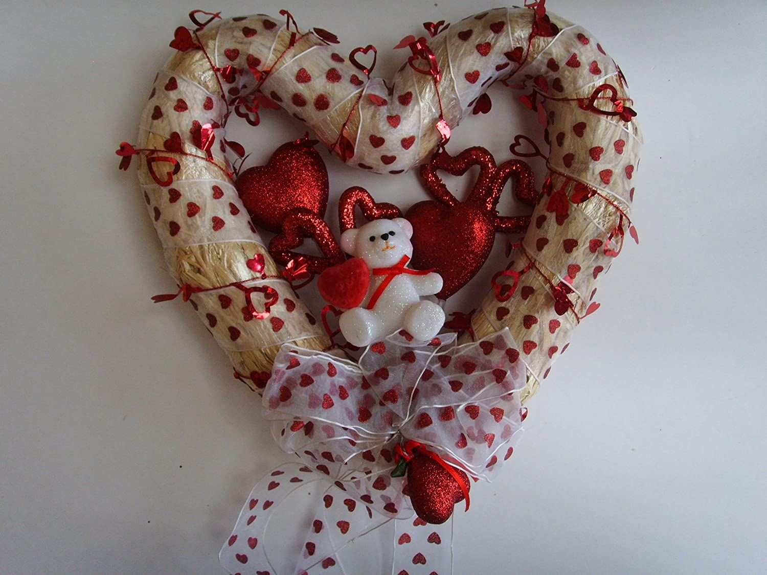 valentine wreaths for your front doorValentines Day Wreaths  Valentines Day Wikii