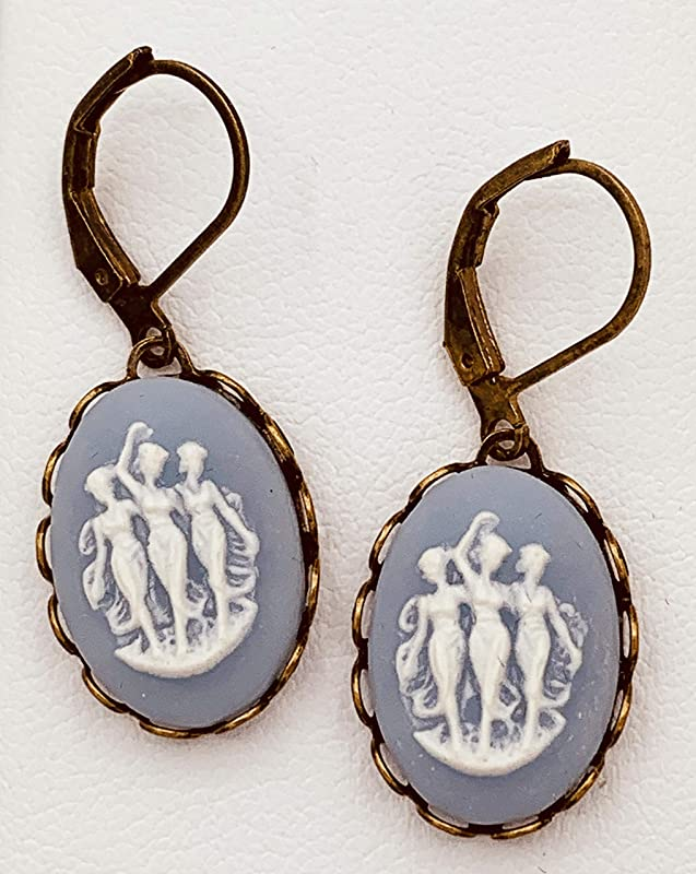 Romantic Vintage Ecru Cabochon resin flower cameo earrings