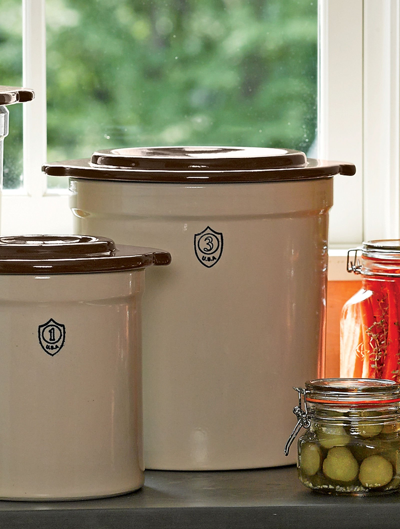 3-Gallon Stoneware Pickling Crock Complete Kit