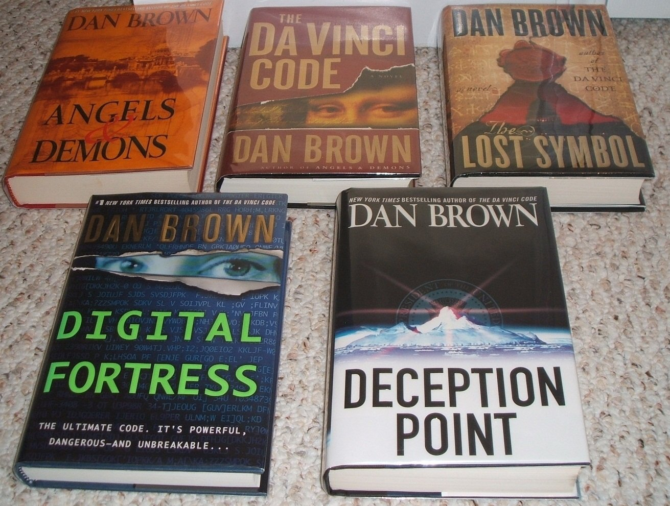 Dan Brown 5 Book Set (Davinci Code /Deception Point /Digital