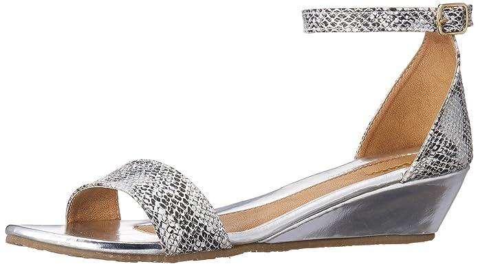 BATA Women's Duffy Beige Fashion Sandals Fashion Sandals at amazon