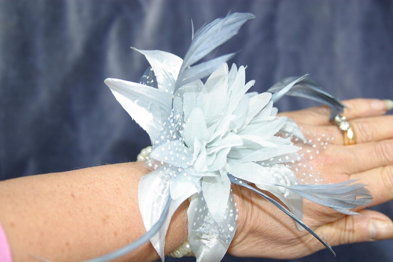 New Silver Grey Wrist Corsage Fascinator Fabric & Feather Pearlised Wrist Band Bracelet sJuD6