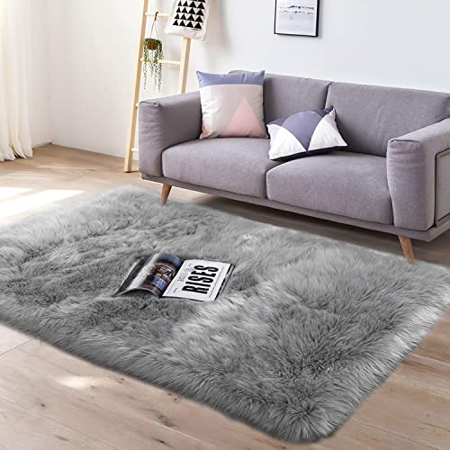 YJ.GWL Super Soft Faux Sheepskin Fur Area Rugs for Bedroom Floor Shaggy Plush Carpet Faux Fur Rug Bedside Rugs, 3 x 5 Feet Rectangle Grey