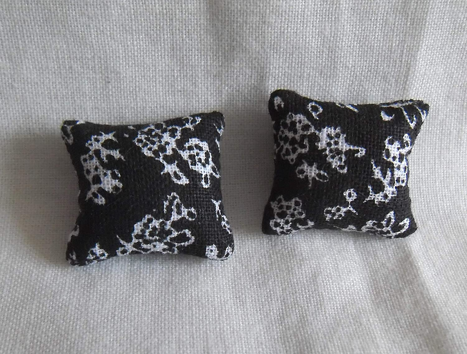 1//24th Scale Dolls House Printed Fabric Cushions Floral Design in Grey Black /& Gold