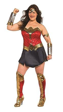 Amazon.com: Rubie's Wonder Woman Adult Deluxe Costume, Plus Size ...