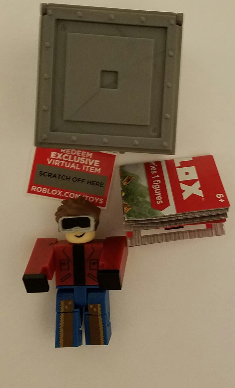 Amazon Com Roblox Series 1 Keith Action Figure Mystery Box