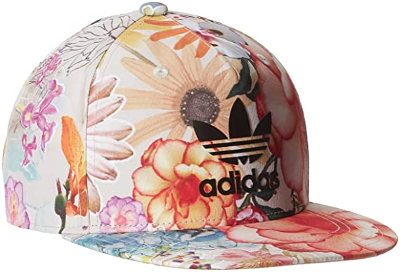 8a4679102e4 Cap Women adidas Originals Confete Snap Back Cap  Amazon.co.uk ...