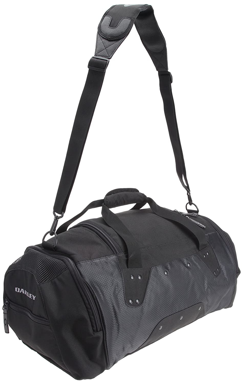 b1699a71e8 Amazon.com  Oakley Mens Carry Duffel Bags (Black