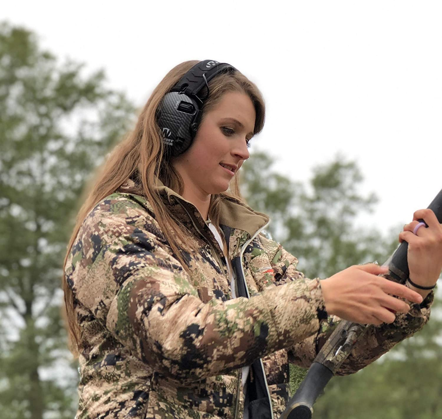 """Walker/'s Razor Slim Electronic Hearing Protection Muffs with Sound Amplification and Suppression /""""Protect It Or Lose It!/"""""""