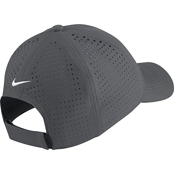 19ec785039898 Amazon.com  NIKE AeroBill Legacy 91 Perforated Golf Cap  Sports   Outdoors