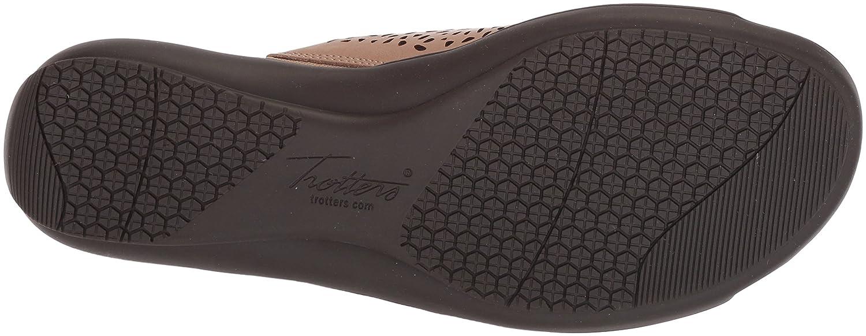 Trotters Sandal Women's Tokie Sandal Trotters 10.5 M US Cement B073C8PSJZ 974427