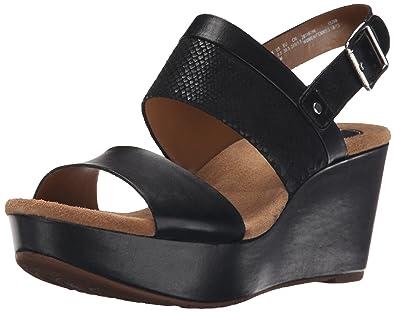 6b25d5957d7 Clarks Women s Caslynn Kat Wedge Sandal  Amazon.co.uk  Shoes   Bags